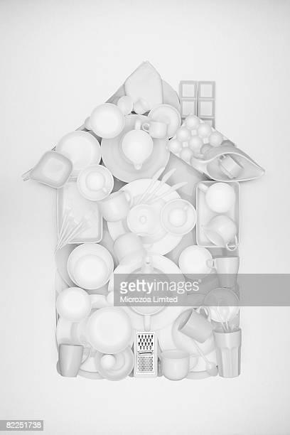 a house shape made from ceramic crocery - microzoa - fotografias e filmes do acervo
