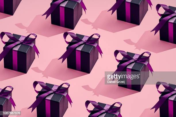a lot of presents placed in a pattern - happy birthday stock pictures, royalty-free photos & images