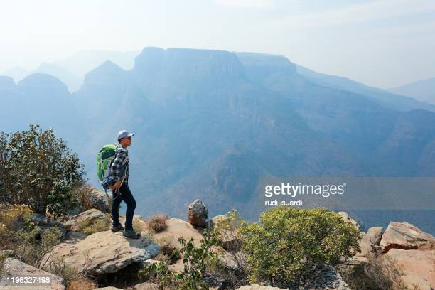 a man traveler with panorama view in bylde river canyon, south africa - mpumalanga province stock pictures, royalty-free photos & images