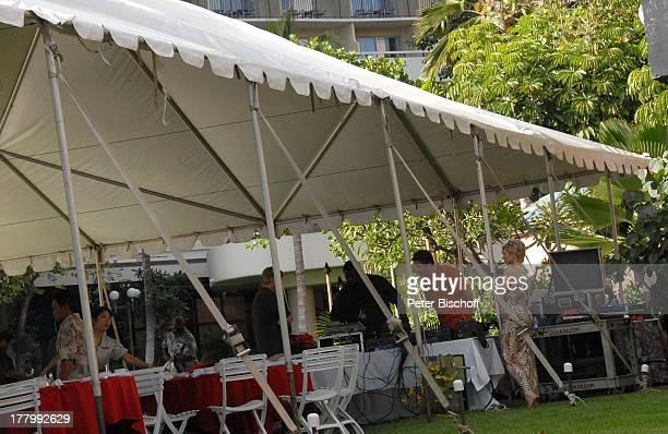 K a r l M o i k Claudia Jung Ehemann Hans Singer Probe zur MusikShow Aloha Servus Garten des Sheraton Hotel Honolulu Insel Oahu Hawaii Amerika USA...