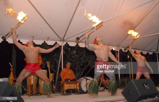 K a r l M o i k einheimische HulaTänzer Feuertänzer Musiker MusikShow Aloha Servus Sheraton Hotel Honolulu Insel Oahu Hawaii Amerika USA Auftritt...