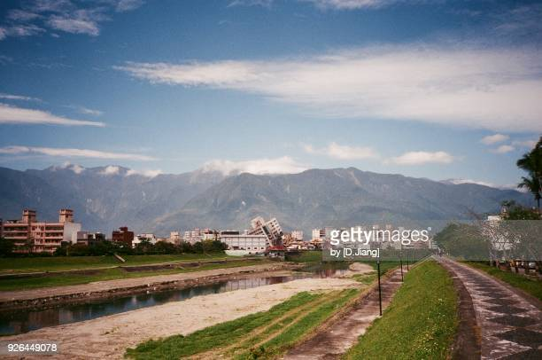 a record of the earthquake. - hualien county stock pictures, royalty-free photos & images