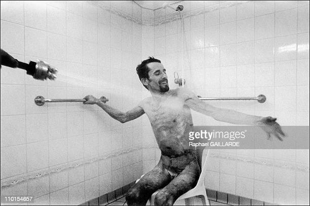 The burns victims in Clamart France in March 1999 May 2000 a spray shower for SSavin