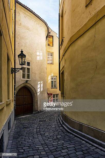 a typical street in old town prague - emreturanphoto stock pictures, royalty-free photos & images