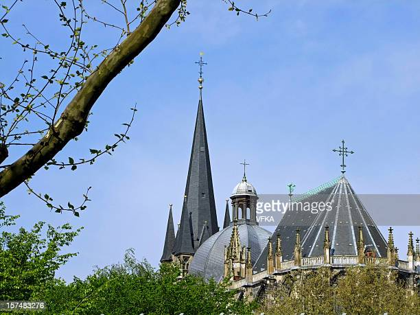 aachen cathedral (aachener dom) - cathedral stock pictures, royalty-free photos & images