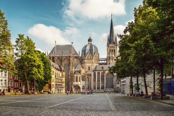 "aachen cathedral (""aachener dom"") - germany stock pictures, royalty-free photos & images"