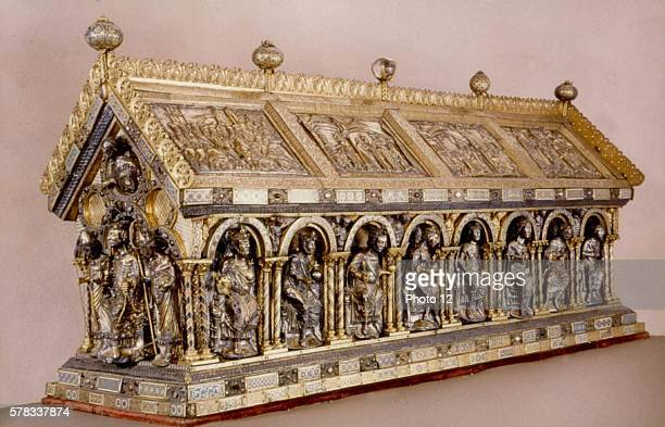 Aachen Treasure The Charlemagne reliquary Ca 1215 Middle Ages Germany Aachen Cathedral