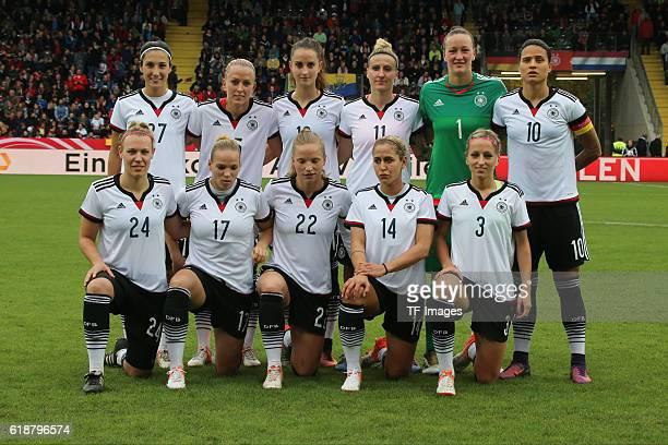 Aalen GERMANY Deutschland Test Laenderspiel Frauen Deutschland vs Niederlande Das Deutsche Team hinten vl Sara Doorsoun Mandy Islacker Sara Daebritz...