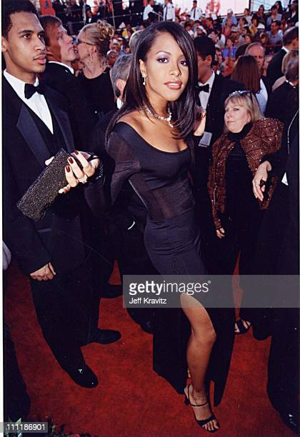 Aaliyah at the 1998 Academy Awards in Los Angeles