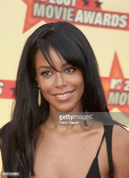 Aaliyah backstage at the MTV 2001 Movie Awards Singer/actress Aaliyah died in a plane crash in the Bahamas on Saturday evening August 25 2001 She had...