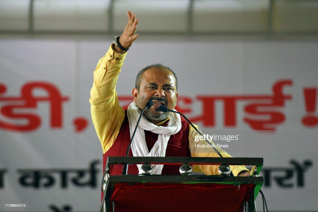 IND: Delhi Chief Minister Arvind Kejriwal Inaugurates Mohalla Clinics At Azadpur Mandi