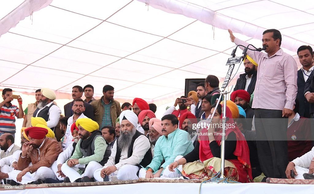 Aam Aadmi Party Convener and Chief Minister of Delhi Arvind Kejriwal addressing the gathering during a rally at Kolianwali village of Lambi Assembly..
