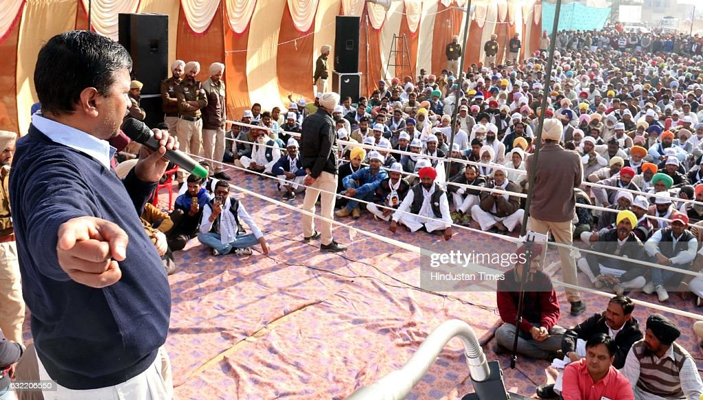 Aam Aadmi Party National Convener and Delhi Chief Minister Arvind Kejriwal addressing gathering during an election campaign rally in support of AAP...