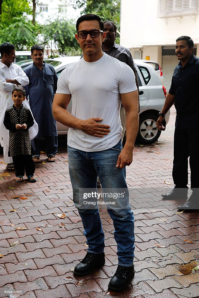 Aamir Khan Eid poses for a photo at his residence on the occasion of Eid al-Fitr on July 7, 2016 in Mumbai, India.