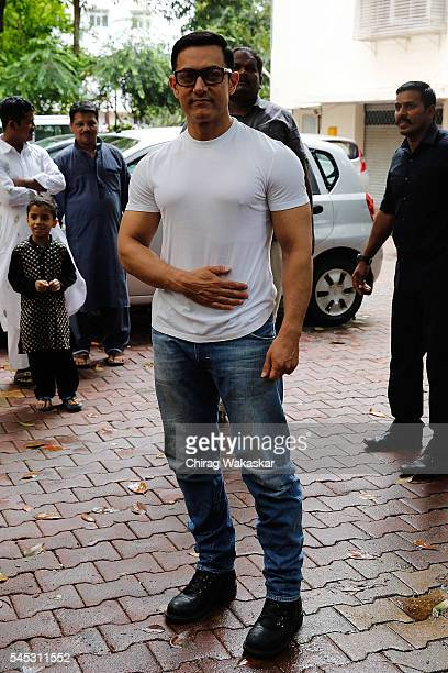 Aamir Khan Eid poses for a photo at his residence on the occasion of Eid alFitr on July 7 2016 in Mumbai India