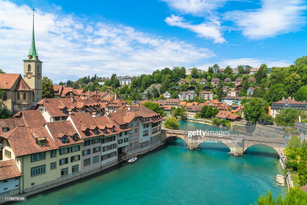 Aare River and Old Town (Altstadt), Bern, Switzerland : ストックフォト