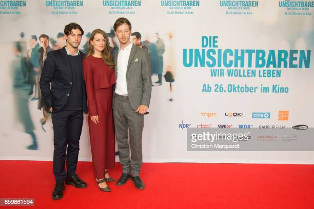 Aaron Altaras Alice Dwyer and Max Mauff attend the premiere of 'Die Unsichtbaren' at Kino International on October 10 2017 in Berlin Germany