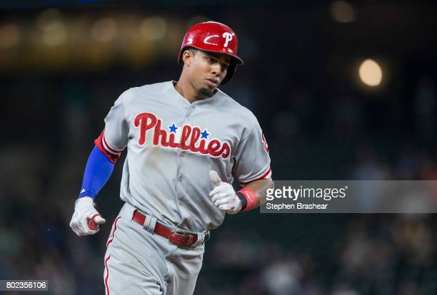 Aaron Altherr of the Philadelphia Phillies rounds the bases afer hitting a tworun home run off of relief pitcher Edwin Diaz of the Seattle Mariners...