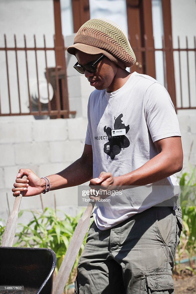 Aaron Carew attends the United Talent Agency charity event for Project Angel Food at St. Mary's Episcopal Church on July 20, 2012 in Los Angeles, California.