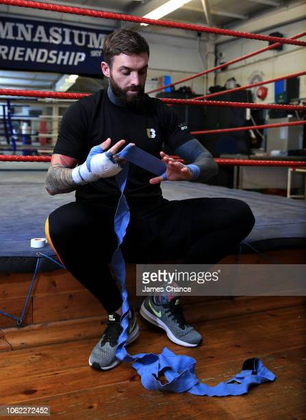 Aaron Chalmers prepares for is training session prior to the Aaron Chalmers and Paulie Malignaggi Training Session at the Peacock Gym on November 01...