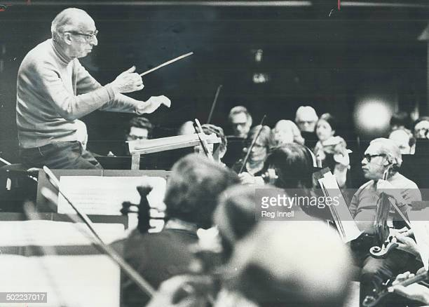 Aaron Copland gets to know symphony Foremost living American composer of serious music Aaron Copland yesterday put in some rehearsal time with the...