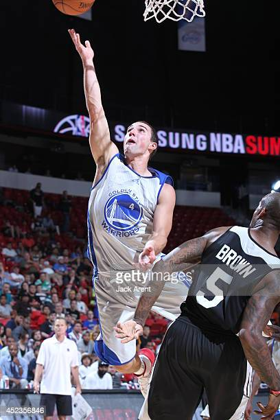 Aaron Craft of the Golden State Warriors shoots against the Milwaukee Bucks at the Samsung NBA Summer League 2014 on July 18 2014 at the Thomas Mack...