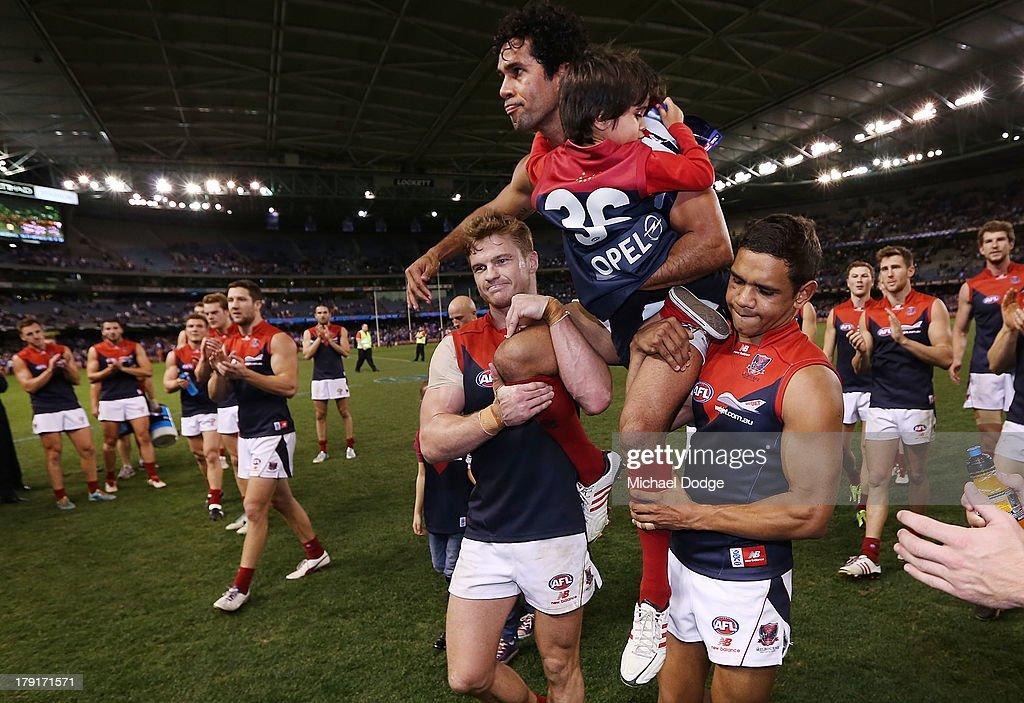 AFL Rd 23 - Western Bulldogs v Melbourne