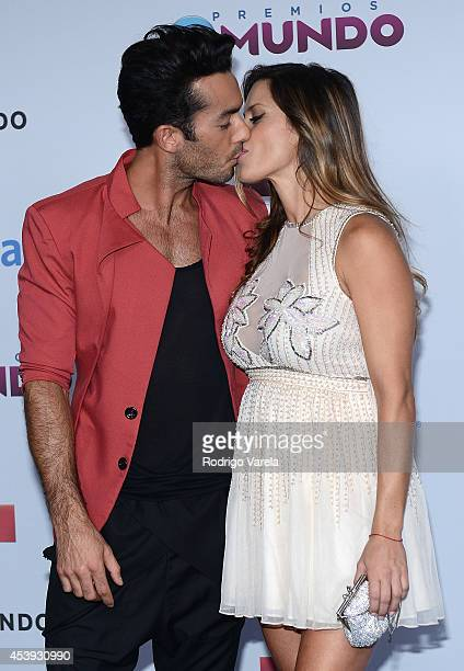 Aaron Diaz and Lola Ponce arrive at Premios Tu Mundo Awards at American Airlines Arena on August 21 2014 in Miami Florida