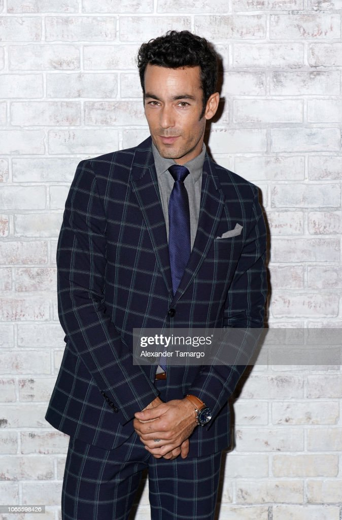 https://media.gettyimages.com/photos/aaron-diaz-is-seen-at-the-betty-en-ny-cast-reveal-press-conference-at-picture-id1065598426