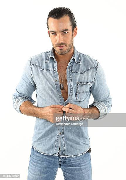 Aaron Diaz poses for an Entertainment Tonight photo session on January 29 2015 in Miami Florida