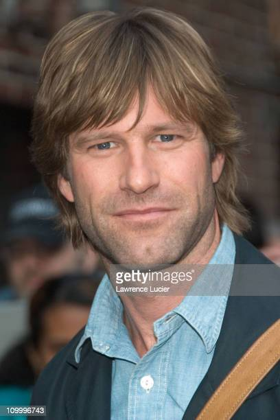 Aaron Eckhart during Geena Davis and Aaron Eckhart Visit The Late Show with David Letterman April 12 2006 at Ed Sullivan Theater in New York City New...