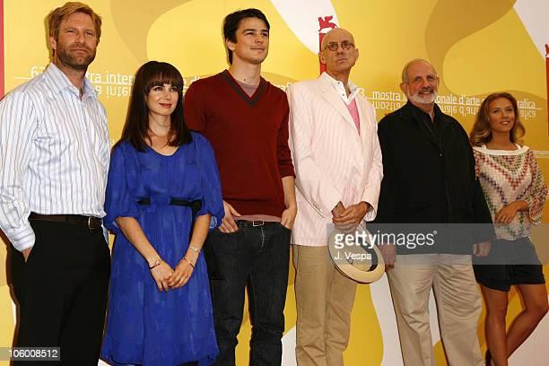 Aaron Eckhart Mia Kirshner Josh Hartnett author James Ellroy director Brian De Palma and Scarlett Johansson
