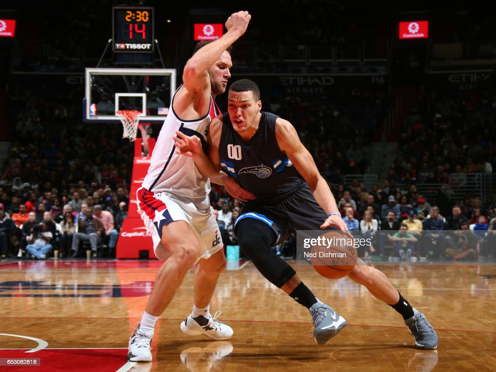 Aaron Gordon #00 of the Orlando Magic drives to the basket against the Washington Wizards on March 5, 2017 at Verizon Center in Washington, DC.