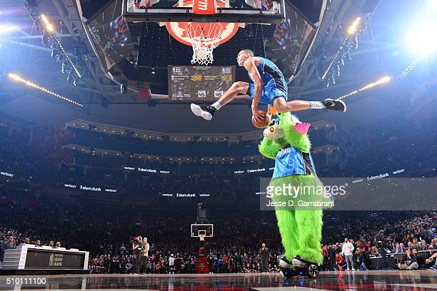 Aaron Gordon of the Orlando Magic goes up for the dunk during the Verizon Slam Dunk Contest as part of the 2016 NBA All Star Weekend on February 13,...