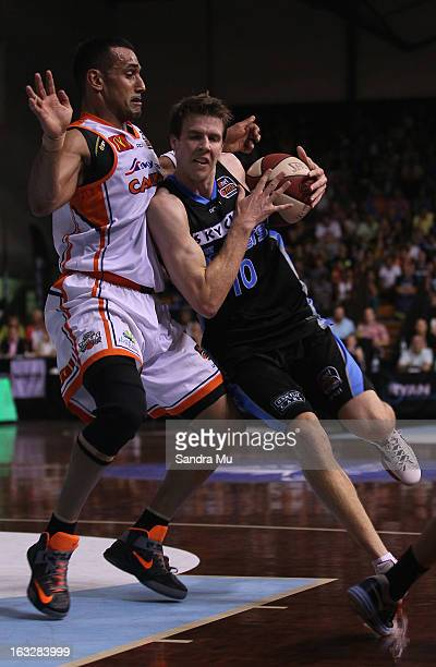 Aaron Grabau of the Titans and Tom Abercrombie of the Breakers in action during the round 22 NBL match between the New Zealand Breakers and the...