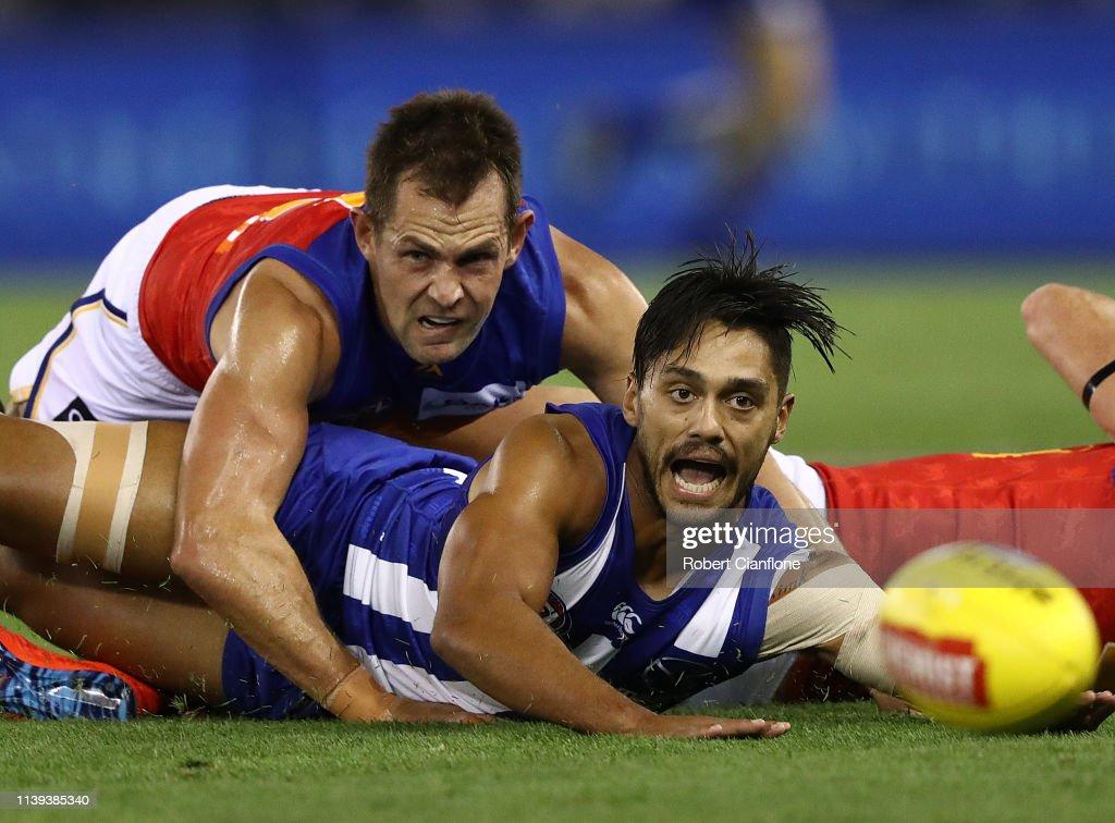 AFL Rd 2 - North Melbourne v Brisbane : News Photo
