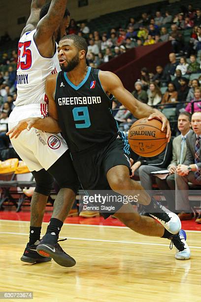 Aaron Harrison of the Greensboro Swarm dribbles the ball against the Grand Rapids Drive at The DeltaPlex Arena on December 30 2016 in Grand Rapids...
