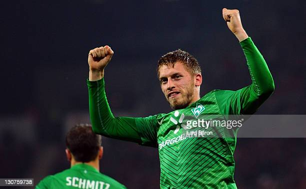 Aaron Hunt of Bremen celebrates after scoring his teams second goal during the Bundesliga match between FSV Mainz 05 and SV Werder Bremen at Coface...