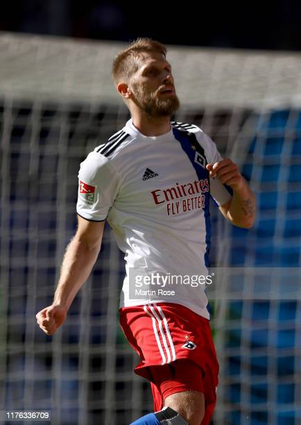 Aaron Hunt of Hamburg celebrates after he scores the fourth goal during the Second Bundesliga match between Hamburger SV and FC Erzgebirge Aue at...