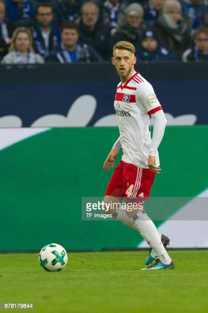 Aaron Hunt of Hamburg controls the ball during the Bundesliga match between FC Schalke 04 and Hamburger SV at VeltinsArena on November 19 2017 in...