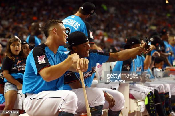 Aaron Judge of the New York Yankees takes a selfie with Salvador Perez of the Kansas City Royals during the 2017 TMobile Home Run Derby at Marlins...