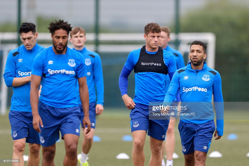 Aaron Lennon (R) during the Everton training session at USM Finch Farm on July 10, 2017 in Halewood, England.