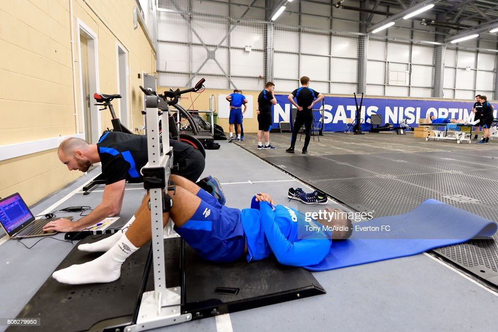 Everton Players Return to First Team Training