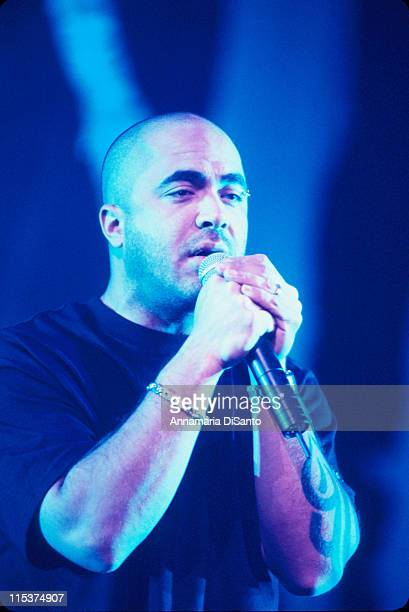 Aaron Lewis of Staind during Family Values Tour 2001 at Arrowhead Pond in Anaheim, California, United States.