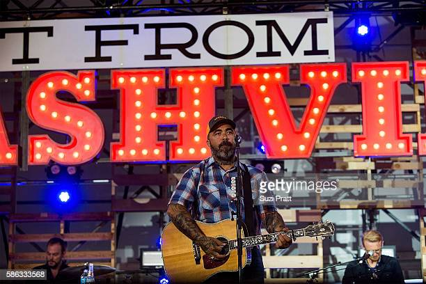 Aaron Lewis performs at the second weekend of the Watershed Music Festival at Gorge Amphitheatre on August 5 2016 in George Washington