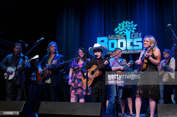Aaron McDaris Jim Lauderdale Sally Berry Isaac Moore Dillion Harper Haley Stiltner Rhonda Vincent and Tori Huntley peform at the Jam at The Loveless...