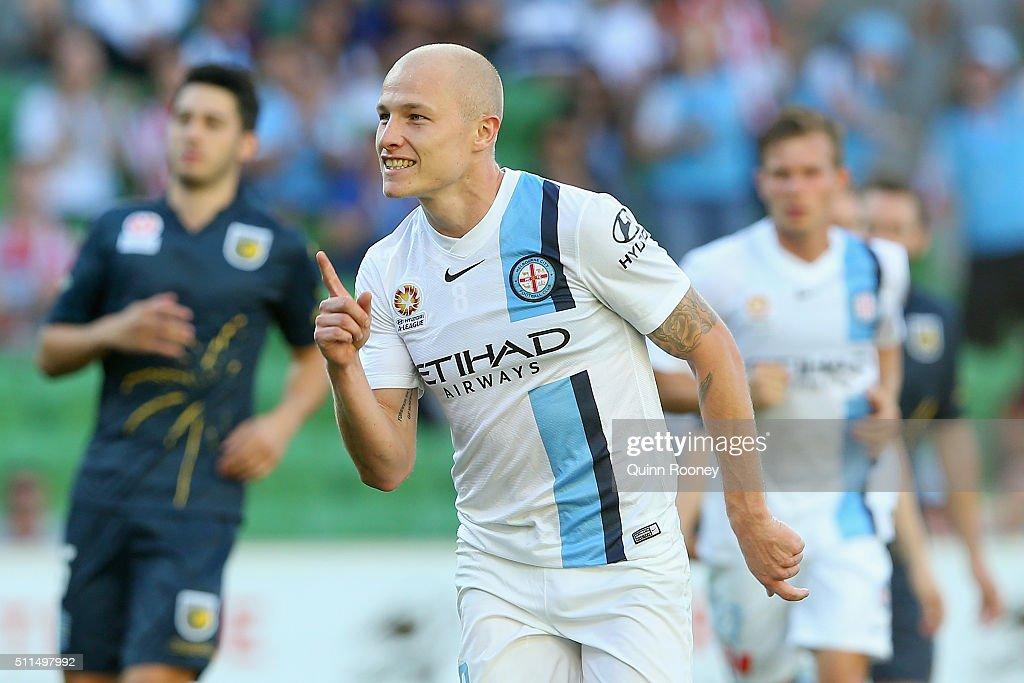 A-League Rd 20 - Melbourne v Central Coast : News Photo