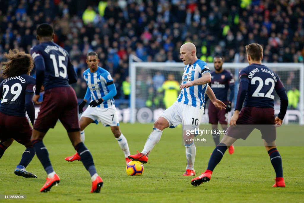Huddersfield Town v Arsenal FC - Premier League : News Photo