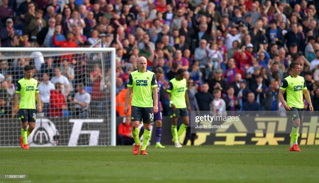 Crystal Palace v Huddersfield Town - Premier League : News Photo