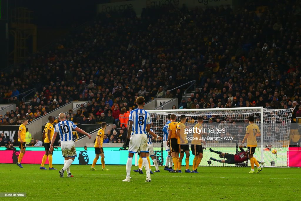 Wolverhampton Wanderers v Huddersfield Town - Premier League : News Photo